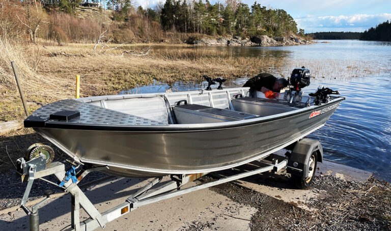 New rental boat for 2021!